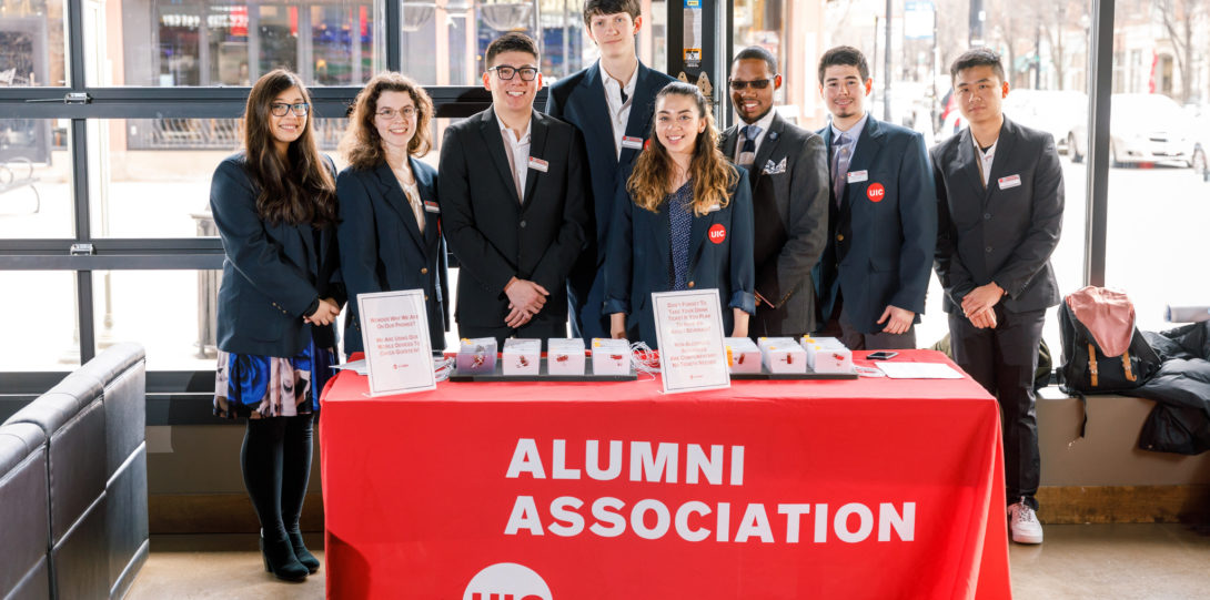 Student ambassadors helped the UIC Alumni Association host the event.
