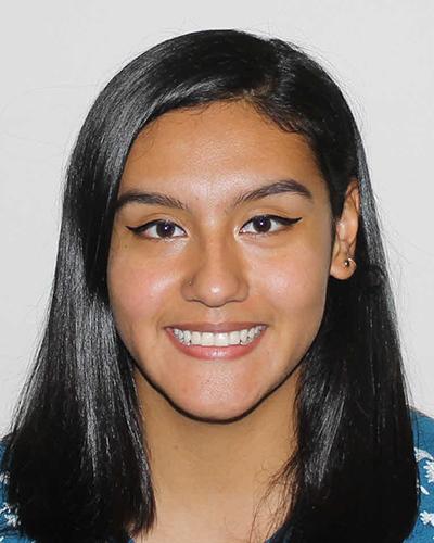 Maribell Heredia, 2017 UIC graduate in neuroscience and former Davee Scholar.